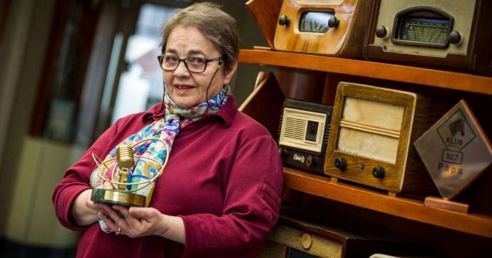"""""""A zenei szerkesztő korlátlan hatalma"""" címmel jelent meg a Népszava cikke az életműdíjas Göczey Zsuzsáról"""