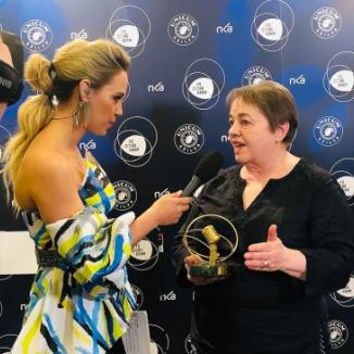 Fonogram-életműdíjat kapott Göczey Zsuzsa, a Klubrádió zenei szerkesztőségének vezetője